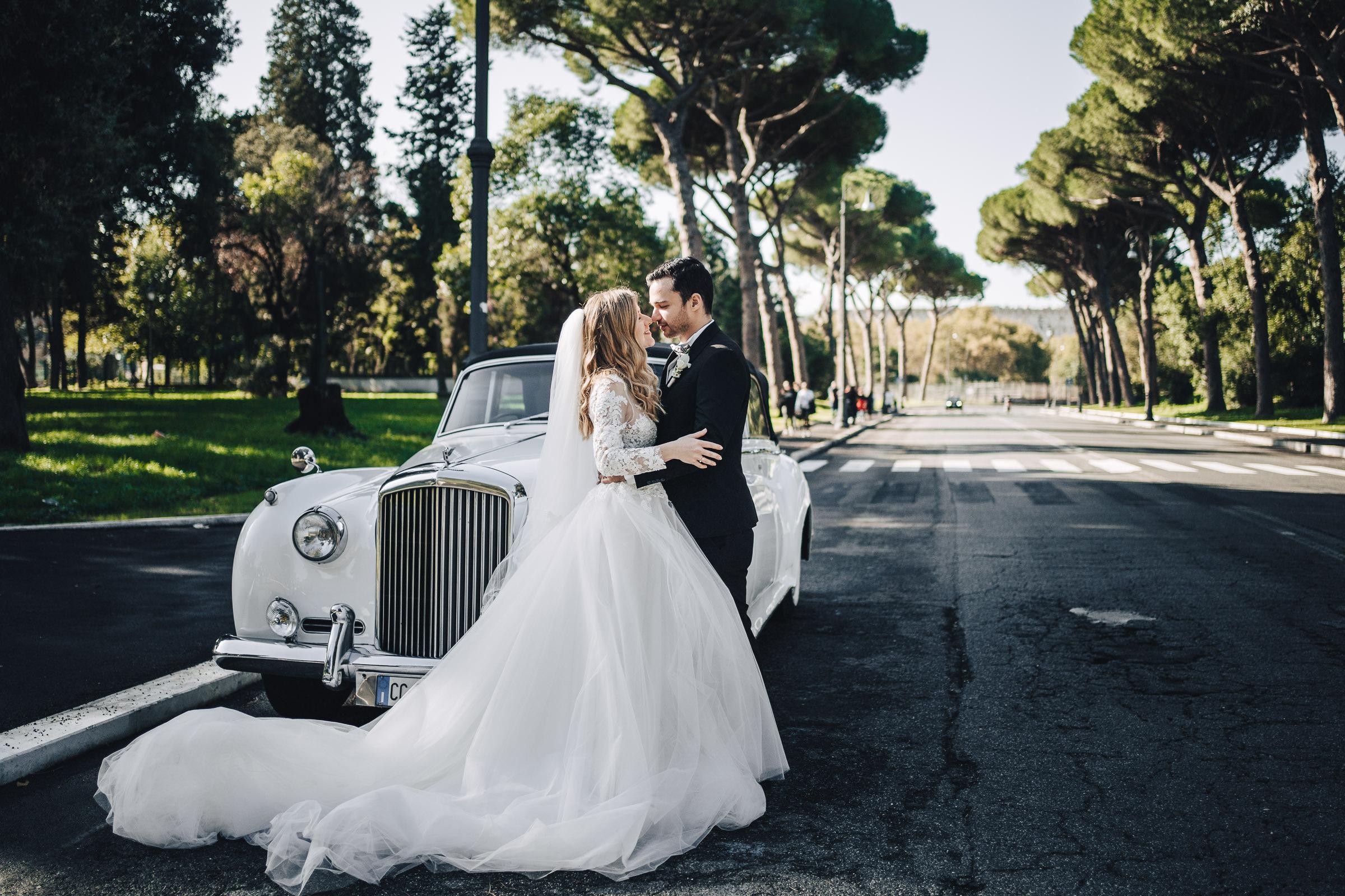 Sposi Russi vestiti da La vie En Blanc Atelier e Carosi Uomo (7)